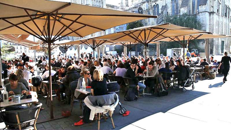 Roma fa schifo i tavolini all 39 aperto in francia foto che ci dicono quel che gi sappiamo - Ristorante con tavoli all aperto roma ...