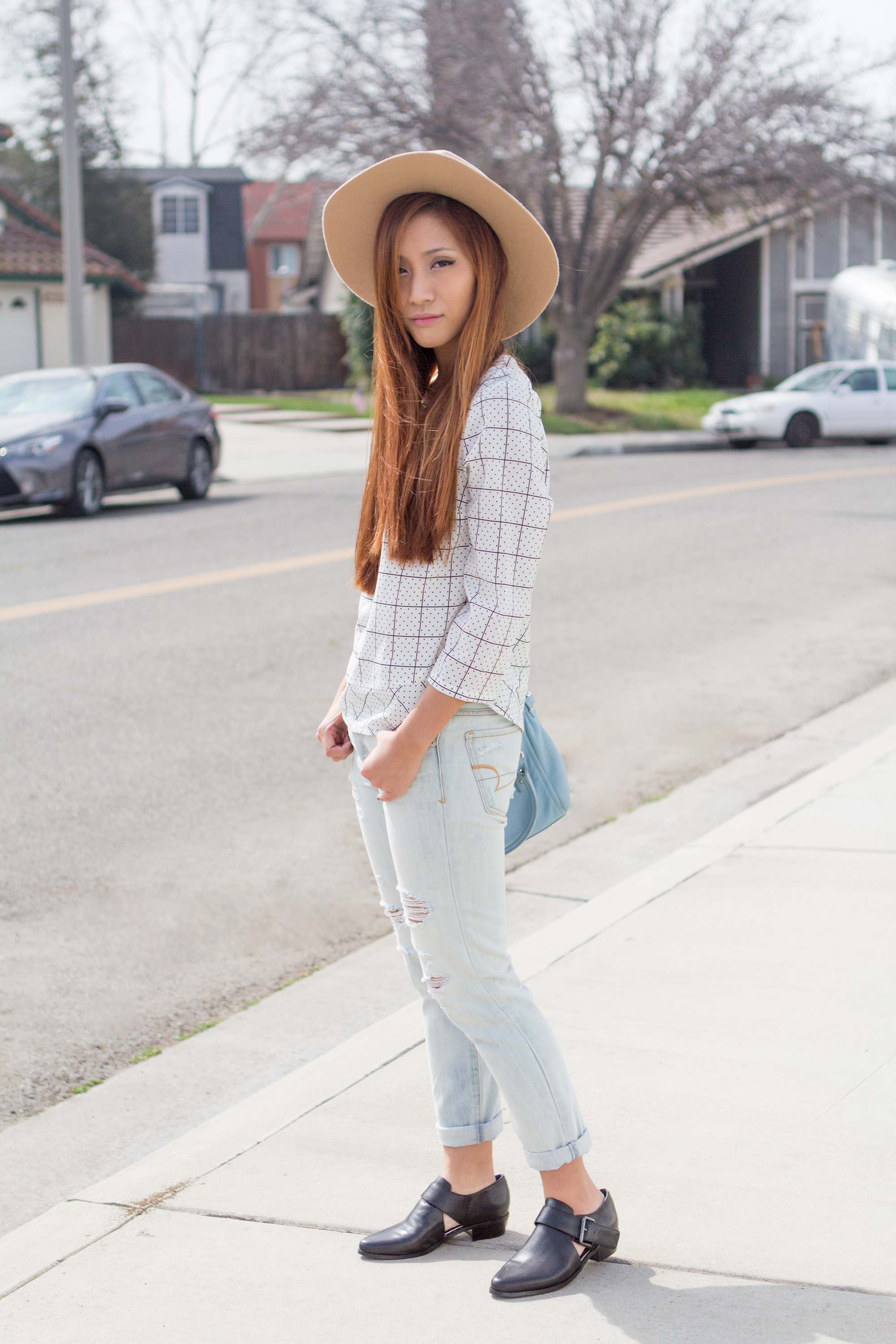 Outfit : Casual Hat and Boots ootd