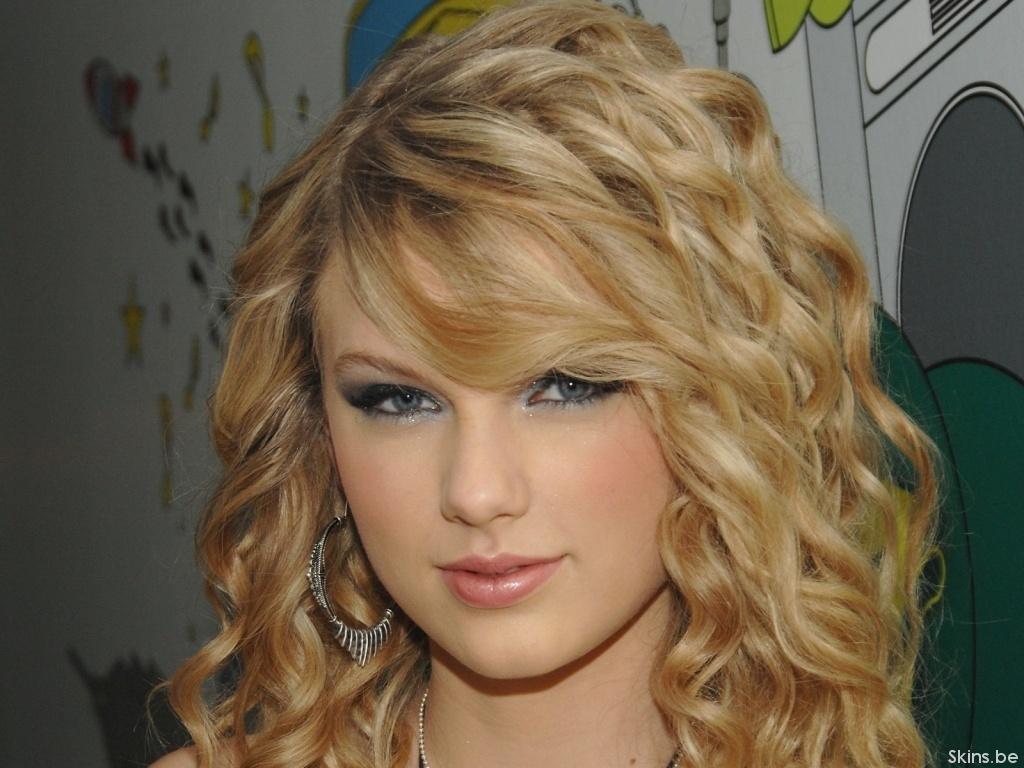 http://1.bp.blogspot.com/-9gVyADy4kjM/UDMzglPxwrI/AAAAAAAACNk/ZKdD36TBL4U/s1600/Taylor-Swift-taylor-swift-big%2Bboobs.jpg