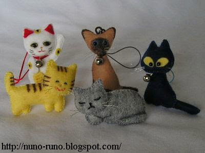 Minicats of felt