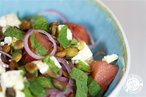 Salade van watermeloen met feta en munt