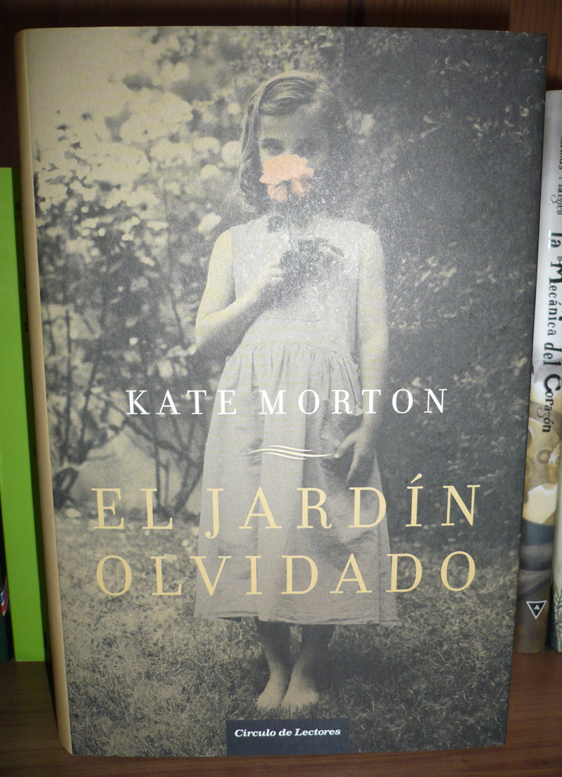 Walking around kate morton el jard n olvidado i for Libro jardin olvidado