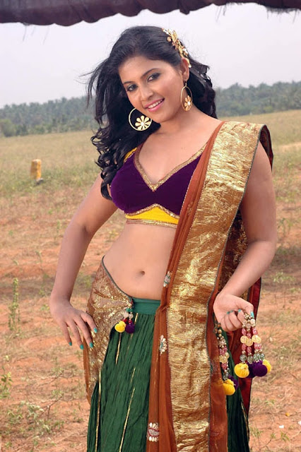 ANJALI hot in saree