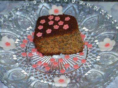 torta papera: torta soffice con semi di papavero