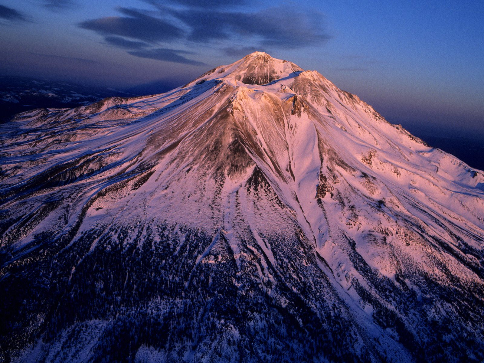 http://1.bp.blogspot.com/-9hLwN82ANrg/ToQjiVY6l0I/AAAAAAAABX0/hBoGDIBQ28E/s1600/Aerial+View+of+Mount+Shasta%252C+California.jpg