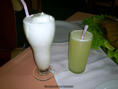 Barravento Restaurante & Chopperia: Coco Espumante e Limonada Suíça