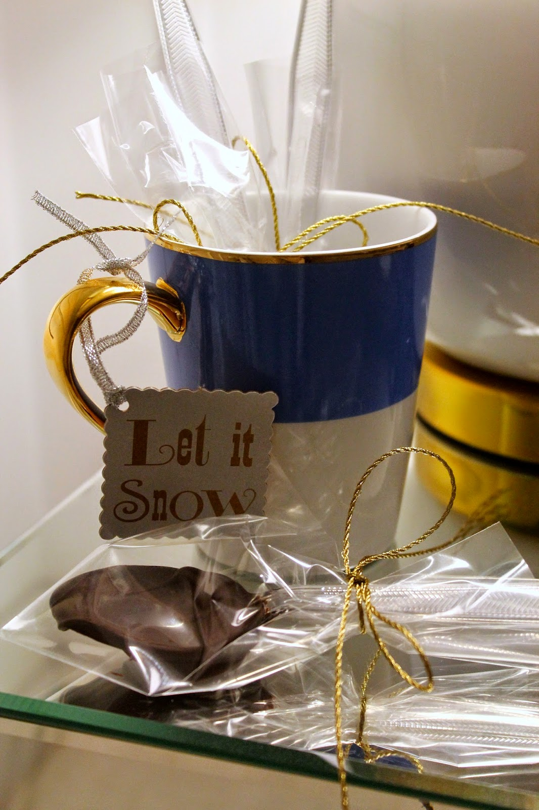 easy DIY winter gift: chocolate spoons for cocoa