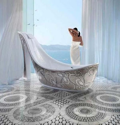 diseño bañera femenina