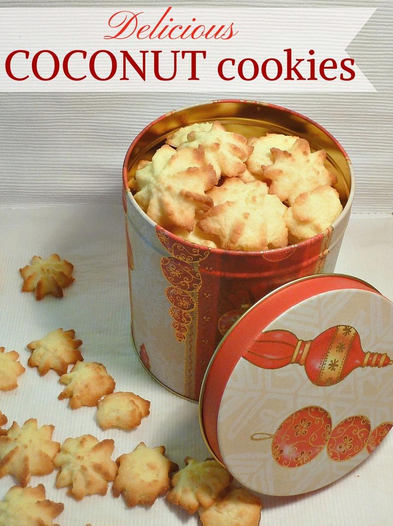 Christmas Coconut cookies - AppleGreen Cottage