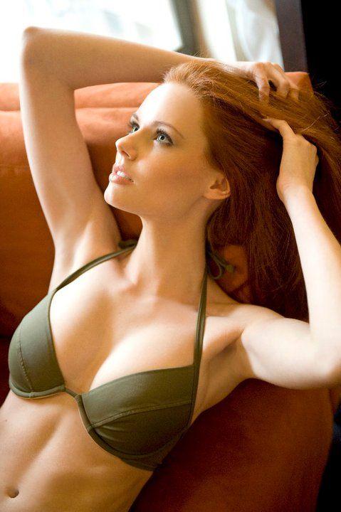 miss bikini red head