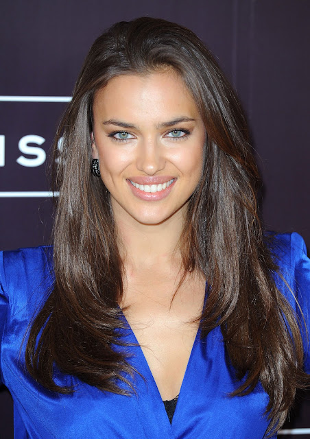 Irina Shayk smiles for photographers