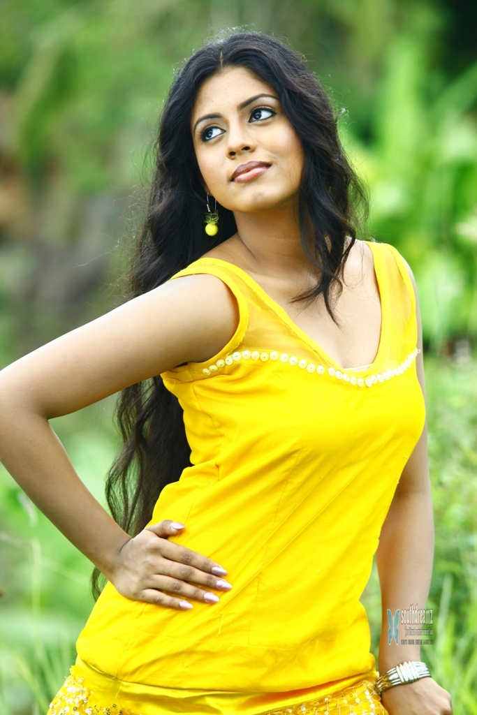 Actress Meera Purchases Expensive Camera LiveTV.pk Actors