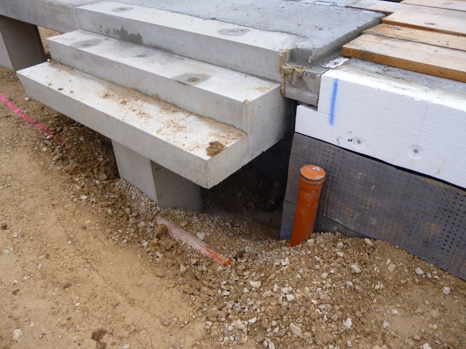 unser generation 5 0 weberhaus mit pultdach verf llen ostseite drainage. Black Bedroom Furniture Sets. Home Design Ideas
