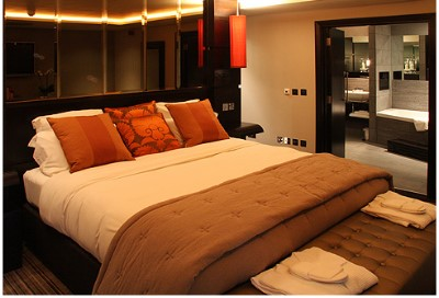 trend home interior design 2011: Hotel Bedroom Style In
