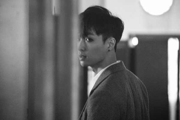 EXO's Lay concept image from the EXODUS album
