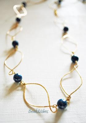 collana martellata blu