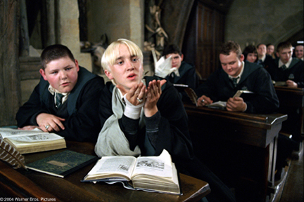 Harry's classmates in Harry Potter and the Prisoner of Azkaban movieloversreviews.blogspot.com