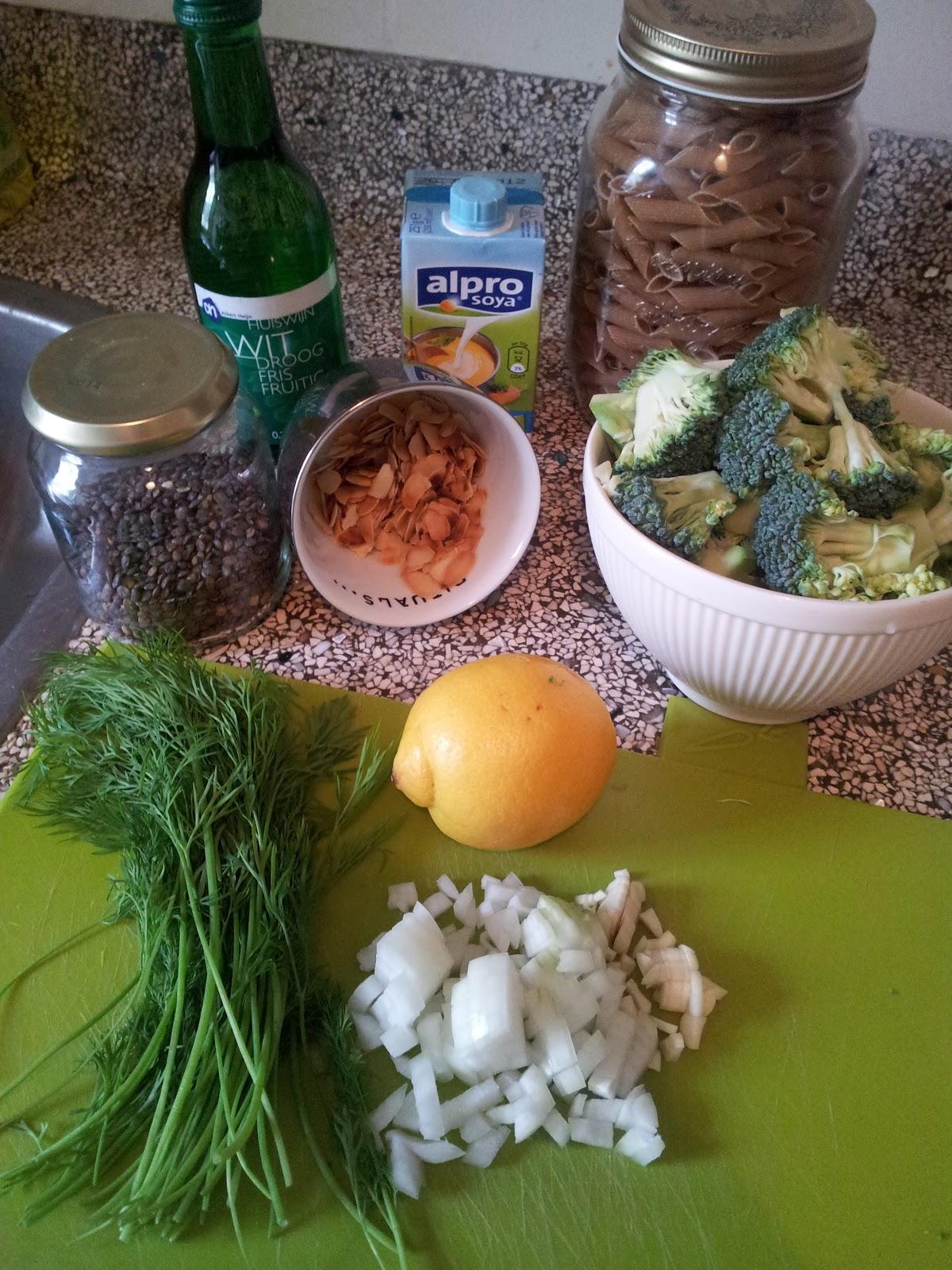 De plantaardige keuken: pasta met linzen, broccoli en dille roomsaus