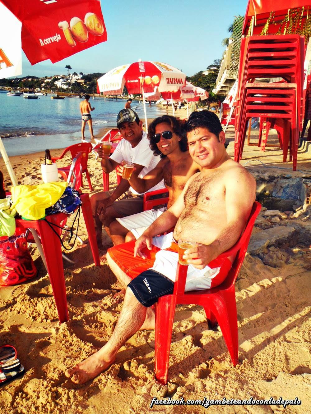 Gambeteando en Buzios - Praia do Canto escuchando Sombras de Javier Solis
