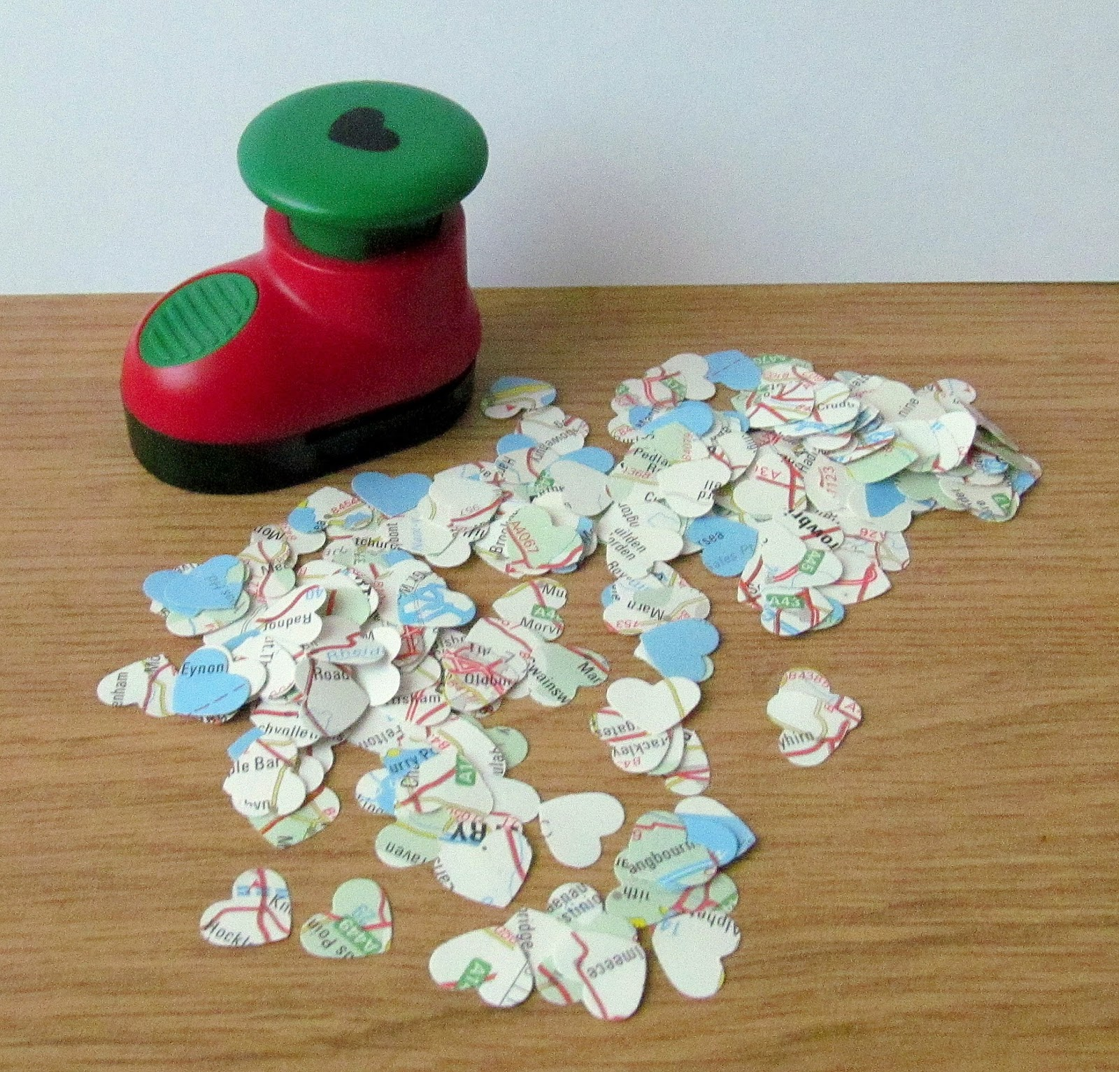 Upcycled table confetti