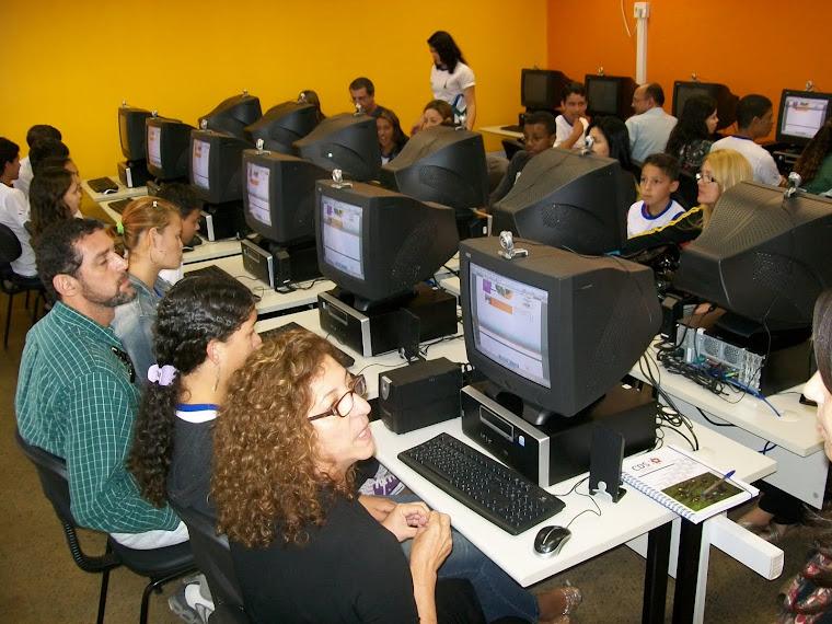Laboratório de Informática Oi To no Mundo do Ced Taquara
