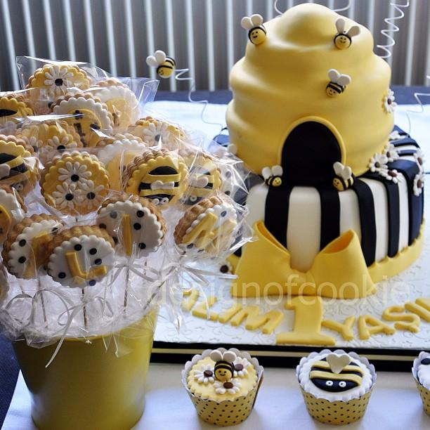 Yaş pastalari arili pasta baykuşlu pasta kitap pasta minnie