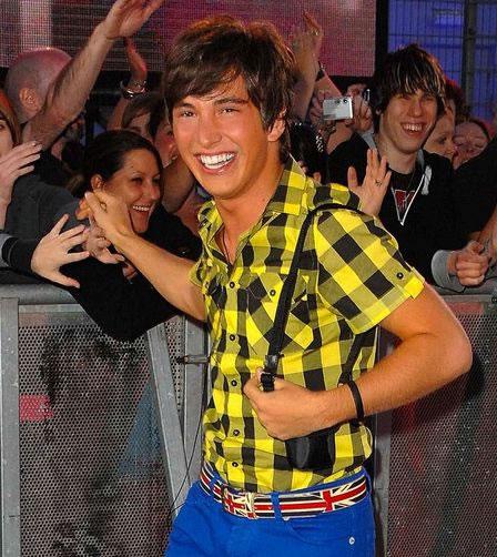 Rodrigo participou do Big Brother inglês (Foto: Reprodução / Heat)