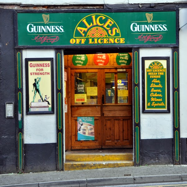 Irland 2014 - Tag 1 | Abendspaziergang in Limerick | Guiness Werbeschild