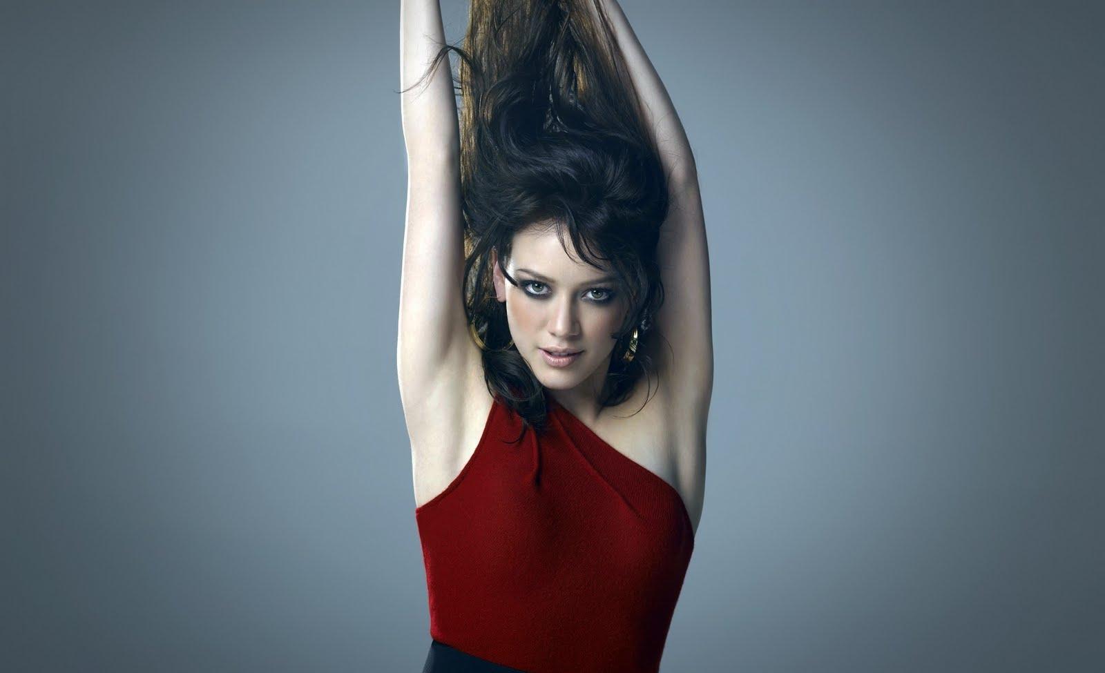 http://1.bp.blogspot.com/-9jmcnGRQr-g/TprF15rJkiI/AAAAAAAAGDk/SSJL_qnnysg/s1600/Hilary-Duff%2B%252810%2529.jpg