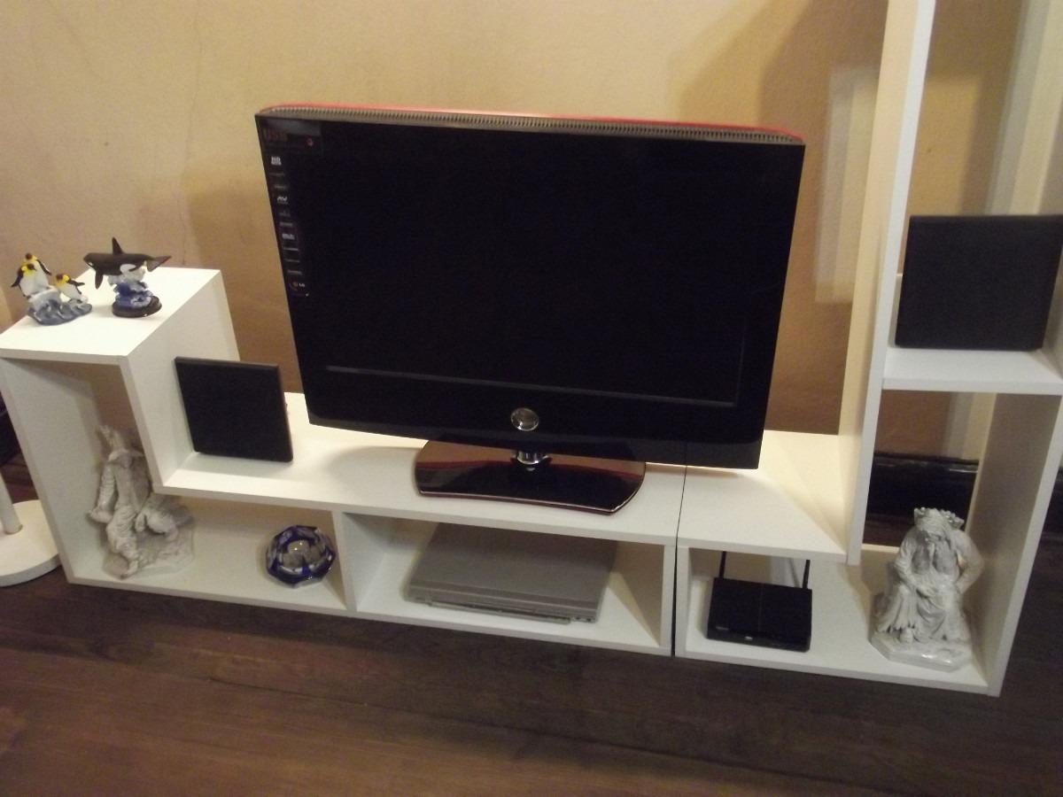 Muebles para televisor en melamina for Libro de muebles de melamina