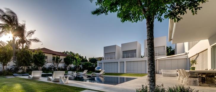 """Modern Villa """"Cubes"""" In Tel Aviv"""