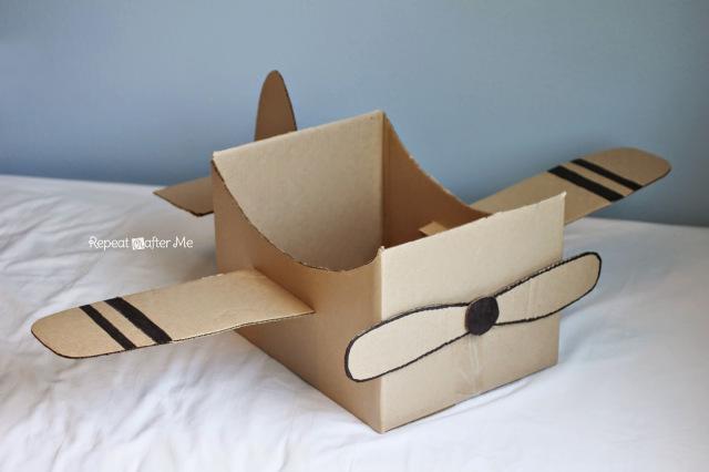 Самолет сделать  из картона