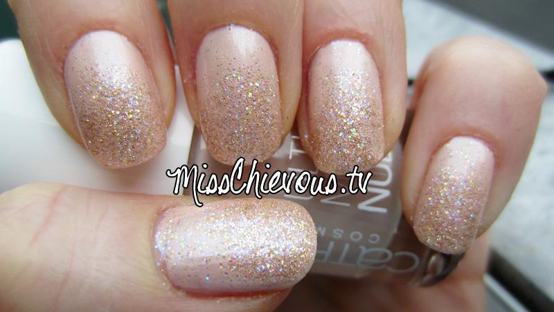 Julia Graf Nude Sparkle Princess Nails