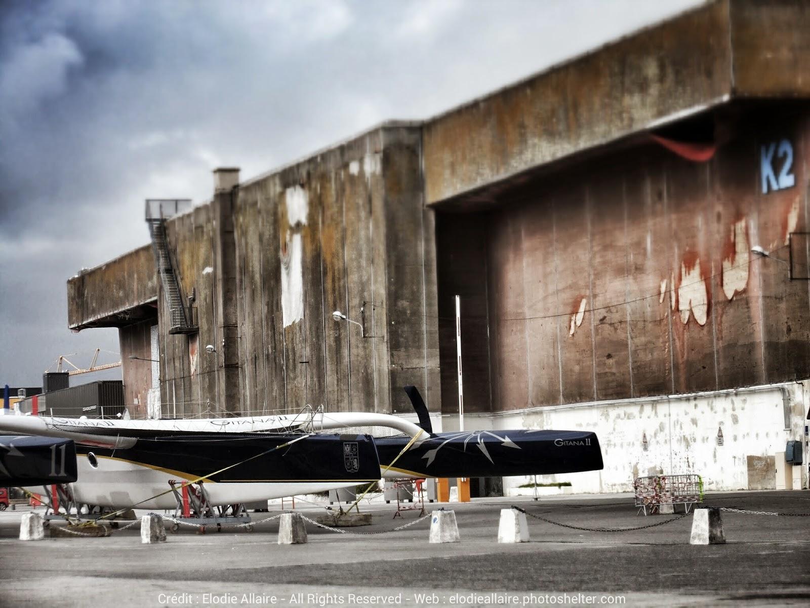 Gitana 11 sur le terre plein de Lorient.