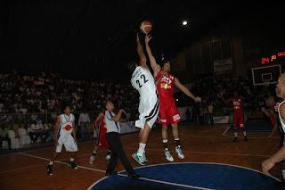 Ciro Pérez derrota a Madre Vieja en Torneo de Baloncesto Superior