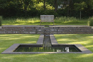 gradina simpla idei gradini geometrica lac fantana luciu de apa arhitect peisagist