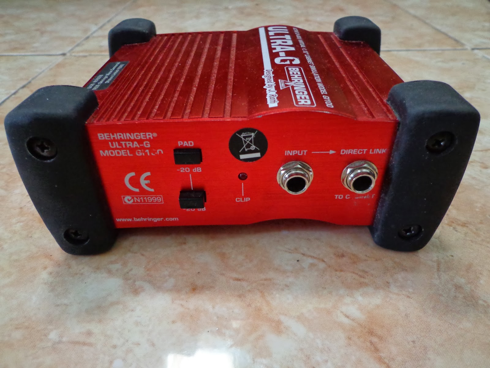 Behringer ULTRA-G GI100 active DI box