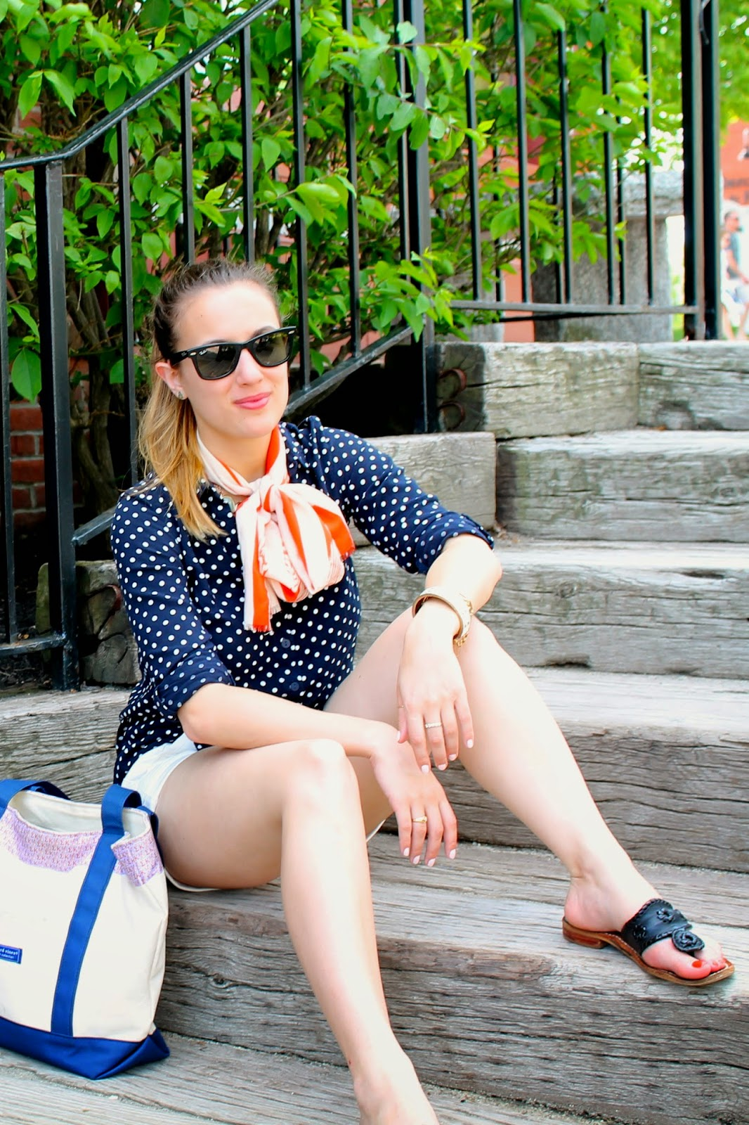 H&M, American Eagle Outfitters, prep, travel, outfit ideas, preppy, classic, polka dots, Ray-Ban, Vineyard Vines, Forever 21, vintage, Jack Rogers, street style, fashion blog