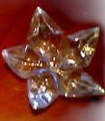 http://tu-yo-el-ella-todos.blogspot.com.es/2013/12/como-hacer-una-estrella-con-botellas-de.html