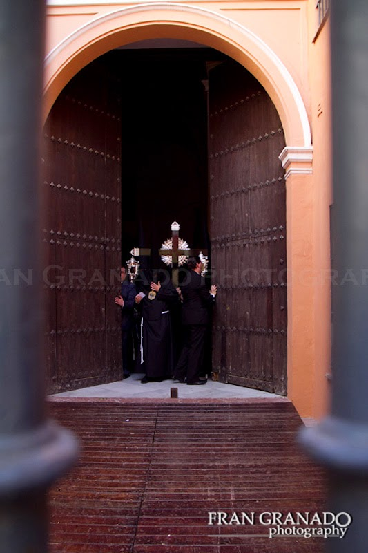 http://franciscogranadopatero35.blogspot.com/2014/08/la-hermandad-de-santa-marta-lunes-santo.html
