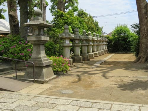 松蔭神社石燈籠01