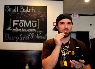 MassBytes: Dex Ter and Vegan Bear at FoMu Ice Creamery