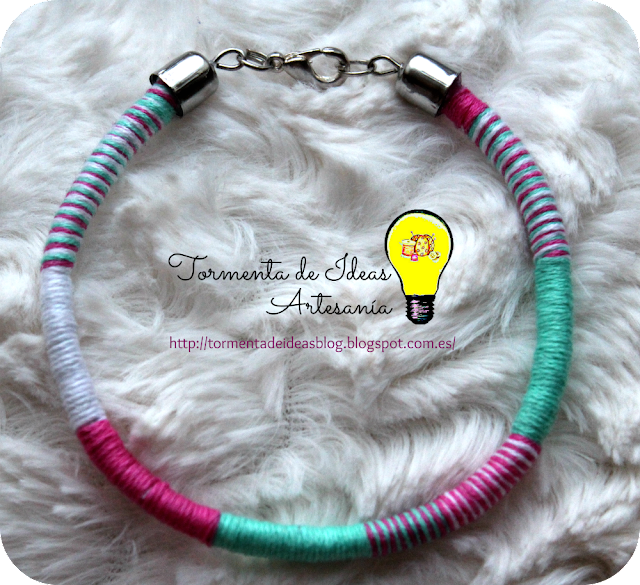 pulsera-hilo-verde-rosa-blanco