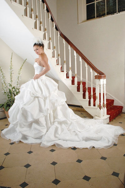 Site Blogspot  Bridal Dress on Vintage Wedding Dress Can Have A Major Impact On The Wedding Day But