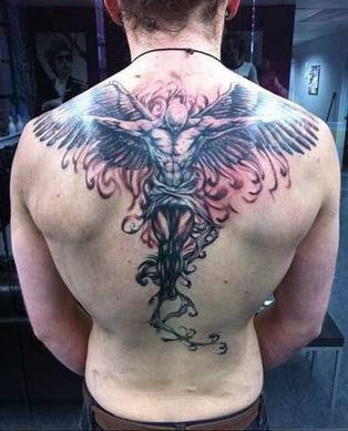 tatuagens de anjos nas costas com asas masculinas