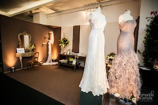 penteadeira, aparador, cabide de mãos, vestido de noivas, exposição