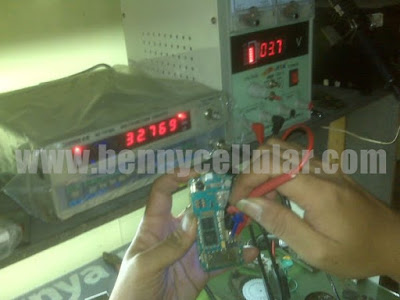 FREQUENCY COUNTER F2700L