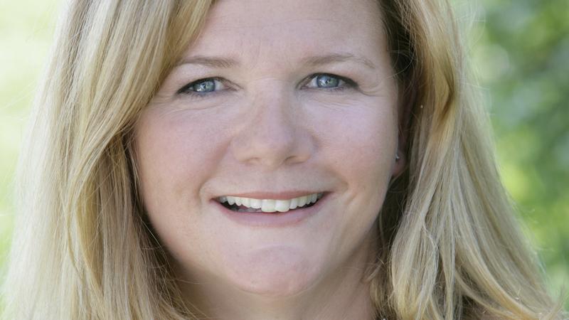 Anne Lindmo er i full sving med å planlegge eget talkshow, som skal på lufta neste år! thumbnail