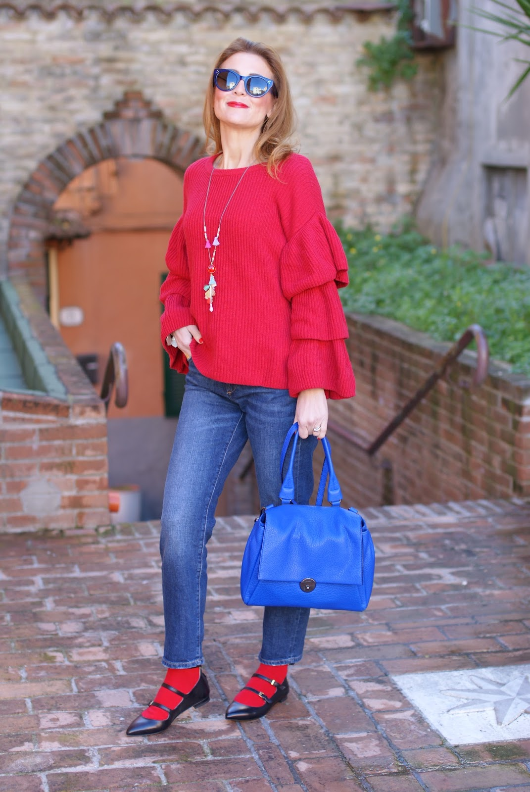 Ruffle sleeves top, Sergio Amaranti pointy flats and Milly Wythe bag on Fashion and Cookies fashion blog, fashion blogger style