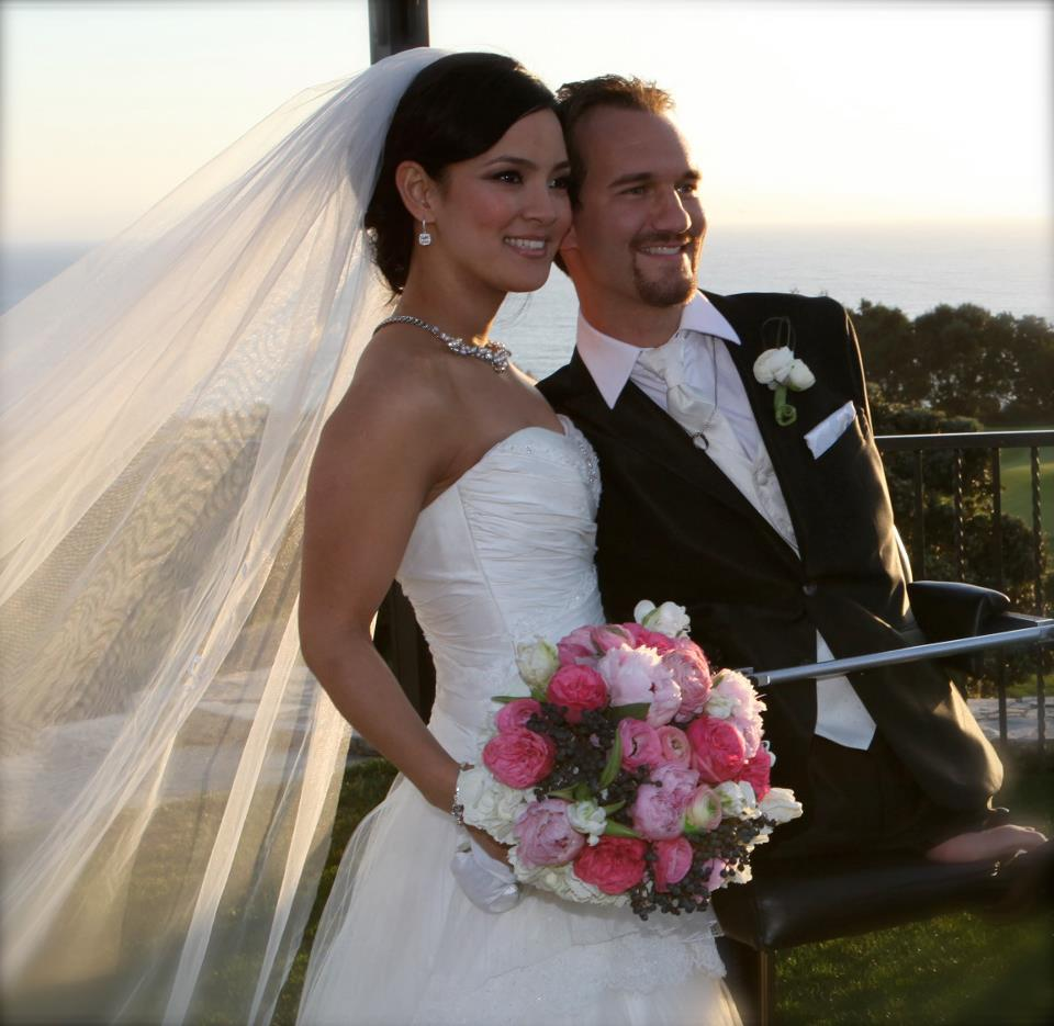 Unconditional Love - Limbless Nick Vujicic and his Wife
